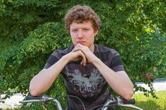 Hooligan door motorfiets stock afbeelding
