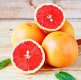 Hoop rijpe grapefruit stock afbeeldingen