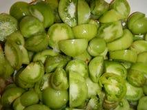 Hoop van besnoeiings kleine groene tomaten Royalty-vrije Stock Fotografie