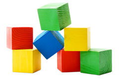 Hoop van houten gekleurde kubussen Stock Fotografie