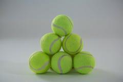 Hoop van tennisballen Stock Afbeeldingen