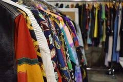 Hoop van uitstekende kleren royalty-vrije stock foto's