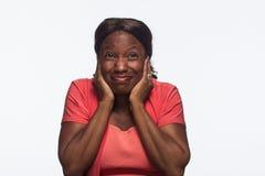 Hoor geen kwade, Jonge Afrikaanse Amerikaanse horizontale vrouw - stock afbeeldingen
