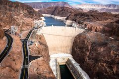 Hoover tama architektoniczny arcydzieło przy granicą między Nevada i Arizona zdjęcie stock