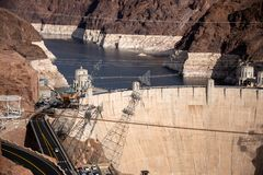 Hoover tama architektoniczny arcydzieło przy granicą między Nevada i Arizona obrazy stock