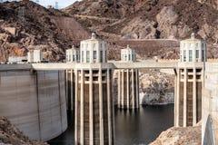 Hoover tama architektoniczny arcydzieło przy granicą między Nevada i Arizona obraz stock
