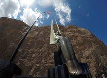 Hooverdamm an der Colorado-Stromder skulptur lizenzfreie stockfotografie