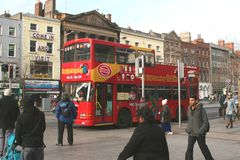 Hop on hop off bus in centre of Dublin, Ireland Stock Photos