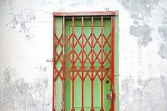 Hopfällbar dörr arkivbilder