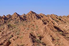 Hopfällbar och naturlig sexhörnig kolonn av bergen, kanjon av Cuesta Del Viento, rodeo, San Juan, Argentina royaltyfria foton