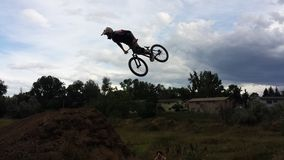 Hoppa cykeln Royaltyfri Foto