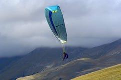 hoppa fallskärm Fotografering för Bildbyråer