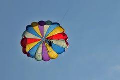 hoppa fallskärm Arkivfoto