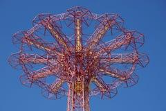 Hoppa fallskärm hoppet i Coney Island Fotografering för Bildbyråer