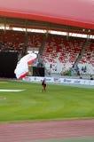 Hoppa fallskärm skärmlaget utför för syrsafestival på Isa Town, Bahr Royaltyfri Foto