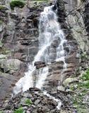 Hoppa over vattenfallet, berg höga Tatras, Slovakien, Europa Royaltyfria Foton