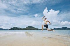 Hoppa till havet royaltyfri foto