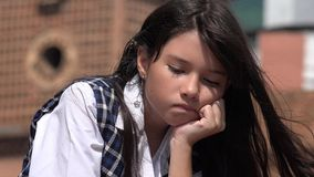 Hopplös ungdomlig colombiansk kvinnlig Royaltyfria Foton