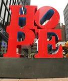 HOPPskulptur av Robert Indiana i midtownen Manhattan Royaltyfri Fotografi