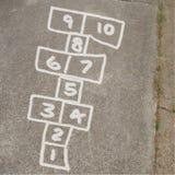 Hopse-Spiel in der Kreide auf Bürgersteig Stockfoto