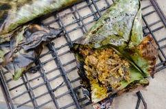 ` Hor knackar ` är den traditionella hemlagade kryddiga champinjonen som grillas av sydlig thailändsk mat arkivfoton