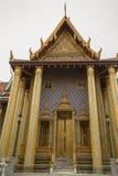 Hor Phra Gandhararat i Bangkok fotografering för bildbyråer