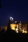A hora azul e as primeiras estrelas do castelo do farelo fotos de stock royalty free