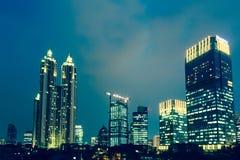 Hora azul em Jakarta, o capital de Indonésia Fotografia de Stock