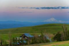 Hora azul en el coto del área de Columbia Hills y el parque de estado naturales Fotografía de archivo