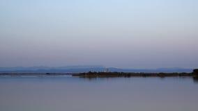Hora azul na lagoa Fotos de Stock