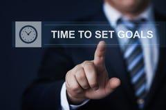 A hora de ajustar objetivos planeia o conceito da tecnologia do Internet do negócio da estratégia Fotos de Stock