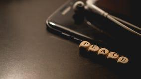 Hora de apagar de smartphone Imagen de archivo libre de regalías