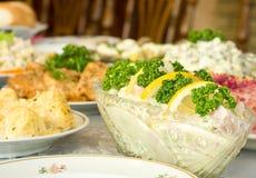 Hora de comer - o banquete no restaurante Foto de Stock Royalty Free