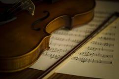 Hora de praticar o violino Fotografia de Stock