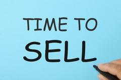 Hora de vender o conceito imagens de stock