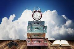 Hora de viajar com guia imagens de stock royalty free