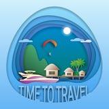 Hora de viajar molde do emblema Recurso do mar com bungalows, parapente, iate, palmeiras e montanha Fotografia de Stock