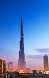 Hora del azul de Burj Al Khalifa Fotos de archivo
