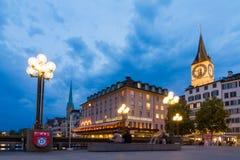 Hora del azul del turismo de Zurich fotografía de archivo