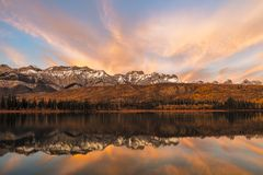 Hora dourada no outono, Jasper National Park, Alberta, Canadá Foto de Stock