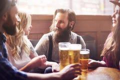 Hora para a cerveja Imagem de Stock