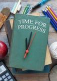 Hora para el concepto de la educación del progreso Foto de archivo libre de regalías