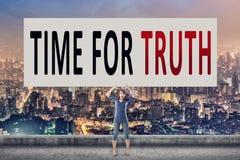 Hora para la verdad fotografía de archivo libre de regalías