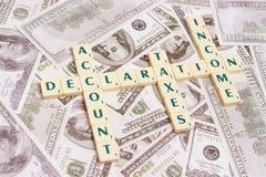 Hora para su declaración de los ingresos anuales Imágenes de archivo libres de regalías