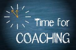 Hora para treinar - cronometre com texto no fundo azul ilustração royalty free