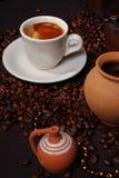 Hora para un coffe - arreglo, cierre foto de archivo