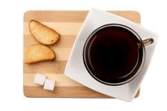 Hora para una taza de café Vista superior de una aún-vida con una taza de café Fotos de archivo libres de regalías