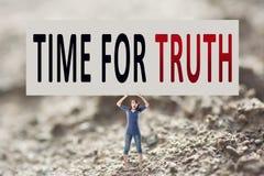 Hora para a verdade Imagens de Stock