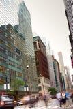 Hora punta en la Quinta Avenida, Nueva York Foto de archivo libre de regalías