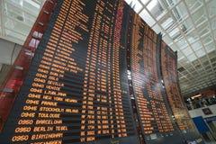 Horaire de vol à l'aéroport Photographie stock libre de droits